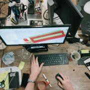 Survei membuang barang: Laki-laki vs Perempuan