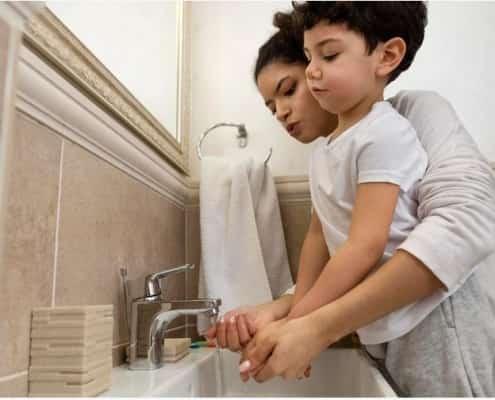 mengajarkan cuci tangan anak